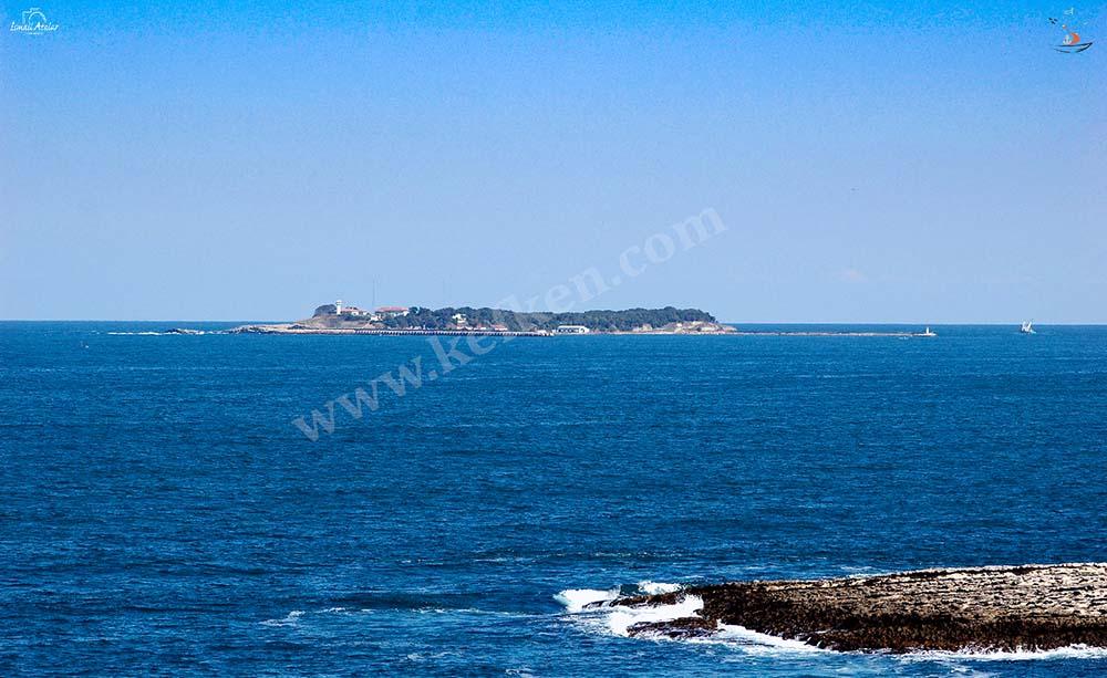 kefken adası mavi bayraklı Cebeci plajındadır